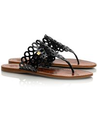 Tory Burch Davy Patent Flat Thong Sandal - Lyst