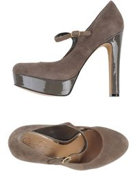 Jessica Simpson Brown Pump - Lyst