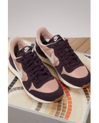 nike internationalist trainers particle pink port wine