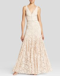 Vera Wang - Gown - V-neck Lace - Lyst
