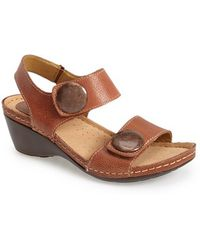 Softspots | 'Pamela' Leather Sandal | Lyst