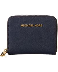 Michael by Michael Kors Jet Set Travel Medium Zip Around - Lyst