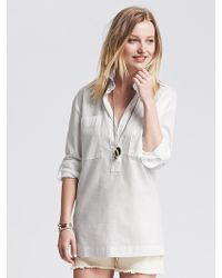 Banana Republic Soft-Wash Roll-Up Popover Shirt white - Lyst