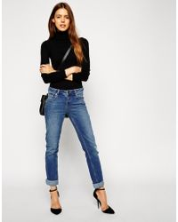 Asos Kimmi Supersoft Stretch Shrunken Boyfriend Jeans In Mid Wash Vintage With Ripped Knee - Lyst