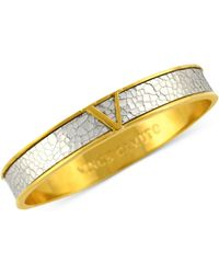 Vince Camuto - Gold Tone Shattered Metallic Leather Signature V Bangle - Lyst