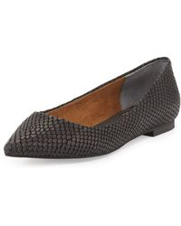 Seychelles Well Known Embossed Pointed Flat Black 6b - Lyst