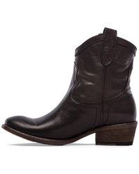 Frye Carson Shortie Boot - Lyst