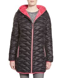 Betsey Johnson - Packable Contrast Zip Quilted Hooded Coat, Black - Lyst