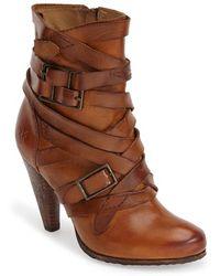 Frye 'Mikaela' Belted Short Boot - Lyst