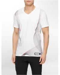 Calvin Klein White Label Performance Slim Fit Gradient Print V-Neck T-Shirt - Lyst
