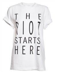 Kelly Shaw - 'the Riot Starts Here' White T-shirt - Lyst