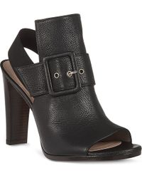 Stuart Weitzman Sunbelt Leather Sandals - Lyst
