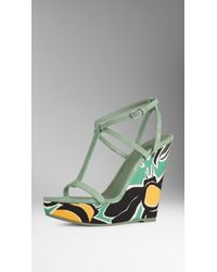 Burberry Suede And Book Cover Print Platform Wedges green - Lyst