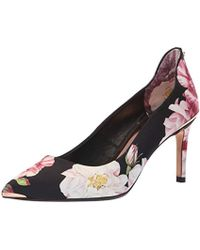 903a81b82c Ted Baker Neevo 4 Nude Patent Heeled Court Shoes in Natural - Lyst