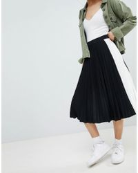 Bershka - Side Stripe Pleated Midi Skirt In Black - Lyst