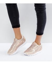 Reebok - Classic Leather Metallic Trainers In Peach - Lyst