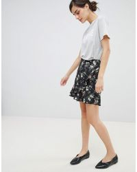 Oasis - Floral Print Frill Front Mini Skirt - Lyst