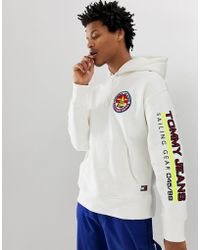 ee4f5ea8 Tommy Hilfiger - 90s Sailing Capsule Back And Sleeve Logo Hoodie In White -  Lyst