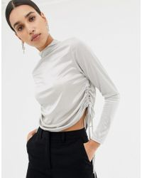 a2b7f7e9b73 Missguided - Ruched Side Long Sleeve Crop Top In Silver - Lyst