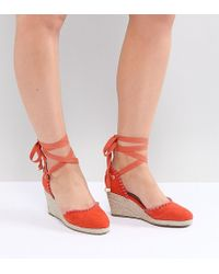 Truffle Collection - Wide Fit Pom Espadrille Wedge - Lyst