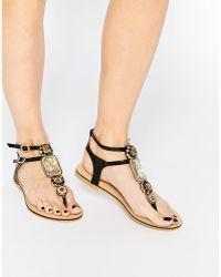 Forever Unique - Corey Embellished Toepost Flat Sandals - Lyst