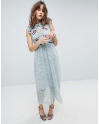 Hope and Ivy - Hope & Ivy All Over Lace Midi Dress With Embroidery Detail - Lyst