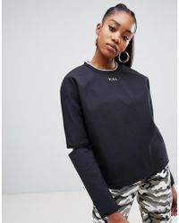 2a43083a34900 Nike Cropped T-shirt In Black And Neon in Black - Lyst