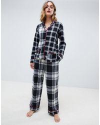 DKNY - Set de regalo con pijama de polar de manga larga con muesca y cuadros escoceses de - Lyst