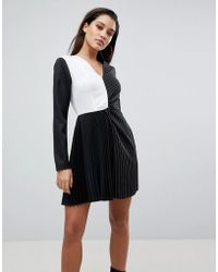PrettyLittleThing - Colour Block Pleated Dress - Lyst