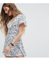 Reclaimed (vintage) - Inspired Tie Up Playsuit In Paisley - Lyst