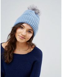 Alice Hannah - Blue Chunky Knit Hat With Faux Fur Pom Pom Hat - Lyst