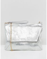 Oasis - Clutch Bag In Metallic Silver - Lyst