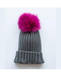 Rose & Rose - Saint Gothard Bobble Hat In Grey With Fuchsia Fur Pom - Lyst