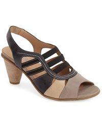 Fidji Women'S 'V140' Leather Sandal - Lyst