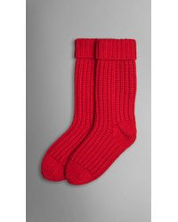 Burberry Knitted Cashmere Socks red - Lyst