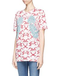 Stella McCartney Flower Appliqué Cloud Print Organic Cotton T-Shirt red - Lyst