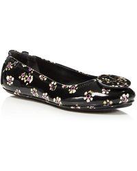 43f135833844 Tory Burch - Women s Minnie Patent Leather Travel Ballet Flats - Lyst