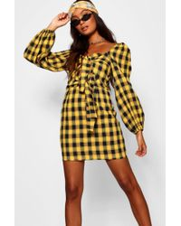 Boohoo - Mia Knot Front Sweetheart Neck Checked Dress - Lyst