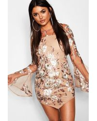 Boohoo - Embroidered Flared Sleeve Bodycon Dress - Lyst