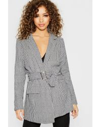 94303d1db28e Boohoo - Woven Dog Tooth Belted Long Line Blazer - Lyst