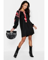 f694c813eedf5 Boohoo Petite Heavily Embroidered Smock Dress in White - Lyst