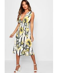 06a7f8a01db Boohoo - Plunge Front Sunflower Print Maxi Dress - Lyst