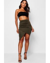 Boohoo - Gracie Rouched Side Asymmetric Skirt - Lyst