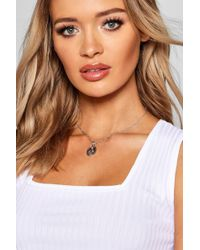 Boohoo - Sovereign Pendant Skinny Necklace - Lyst