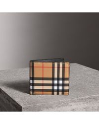 Burberry - Vintage Check International Bifold Coin Wallet - Lyst