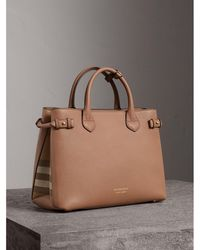 Burberry - The Medium Banner In Leather And House Check Dark Sand - Lyst
