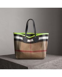 Burberry - The Giant Reversible Tote In Canvas Check And Leather - Lyst
