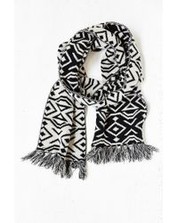 Urban Outfitters Geo Pattern Knit Scarf - Lyst