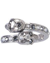 7c290218566f3 Alexander McQueen Crystal Embellished Twin Skull Ring in Metallic - Lyst