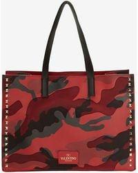 Valentino Rockstud Medium Leather Tote Red Camo - Lyst